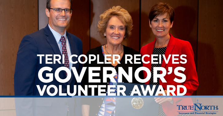 Teri Copler Receives the Governor's Volunteer Award